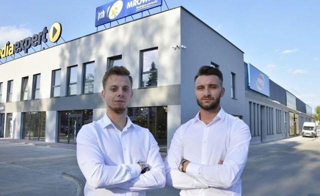 Na otwarcie Media Expert i Pepco zapraszają inwestorzy Patryk Barucha (po prawej) i Mateusz Malara