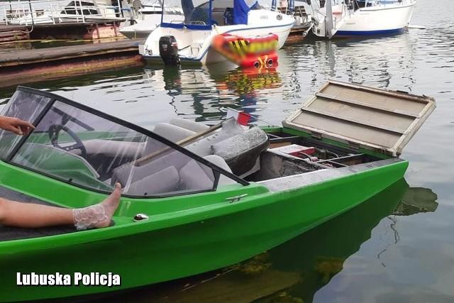 Do niebezpiecznej sytuacji doszło w Lubniewicach na jeziorze Lubiąż.