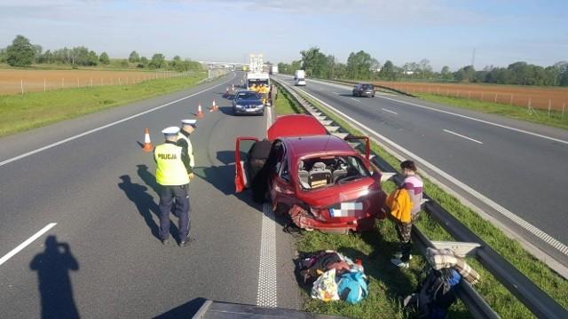 Zdarzenie miało miejsce na 214. kilometrze na jezdni w stronę Katowic. Na szczęście nikomu nic się nie stało.