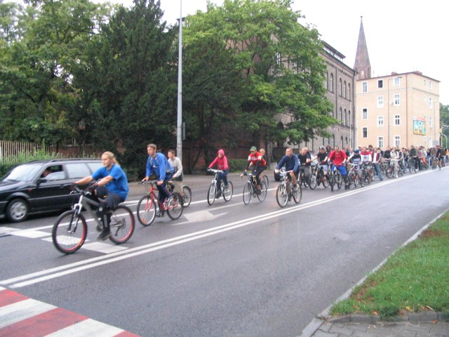 Ulicami Stargardu przejechała wczoraj grupa około 150 rowerzystów.