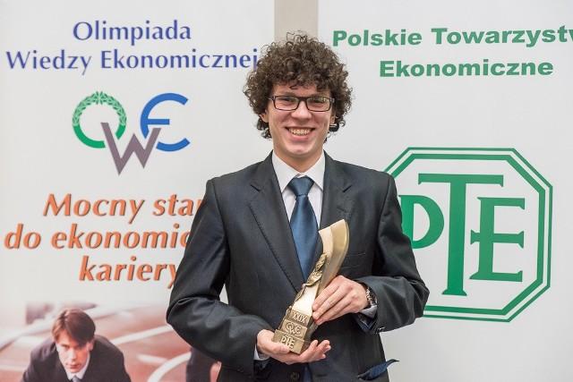 Nikodem Kramarz pokonał sto innych osób w finale olimpiady i wywalczył miejsce na najlepszej uczelni w kraju.