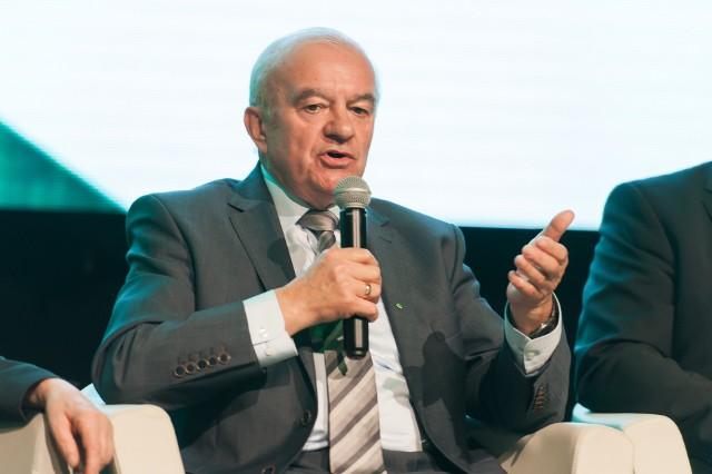 Stanisław Kalemba - były minister rolnictwa i rozwoju wsi w rządzie Donalda Tuska (2012-2014). Poseł na Sejm I-VII kadencji. Z wykształcenia inżynier rolnictwa