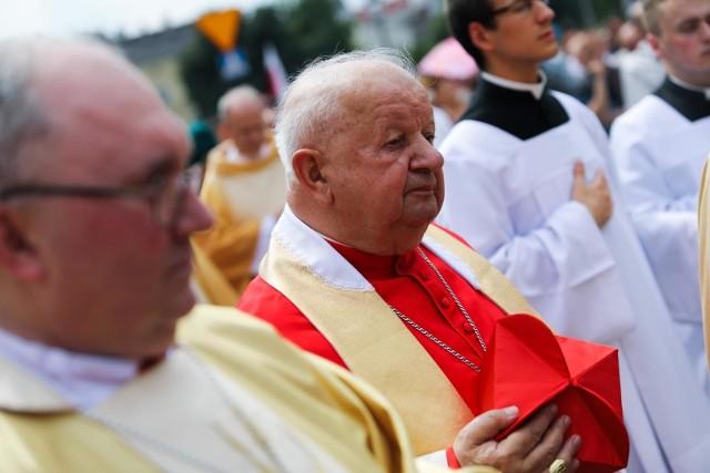 Kardynał Stanisław Dziwisz musi się wytłumaczyć przed śledczymi