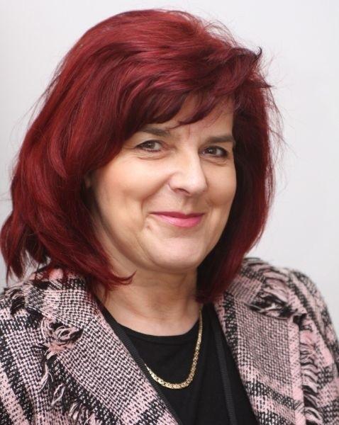 """Halina Zawadzka, kierownik Wydziału Aktywizacji Rynku Pracy w Miejskim Urzędzie Pracy w Kielcach i równocześnie jeden z ekspertów w naszym cyklu """"Projekt Praca"""" kierowanym do osób bezrobotnych."""