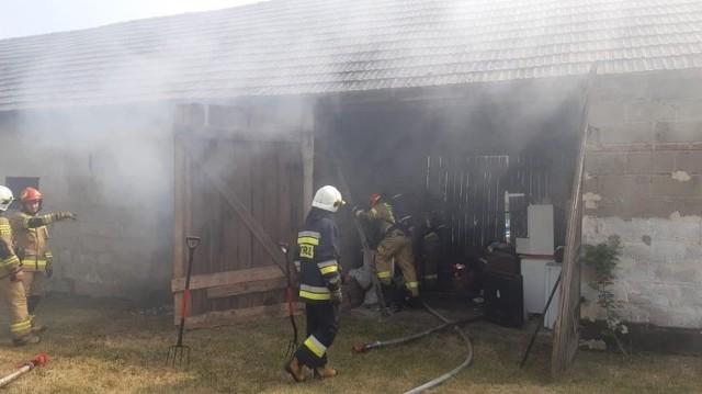 Pożar pojawił się w budynku inwentarskim z częścią mieszkalną