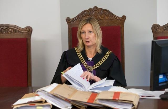 W sprawie o mordowanie szczeniąt prokurator żądał kary więzienia w zawieszeniu, sąd wydał znacznie surowszy wyrok