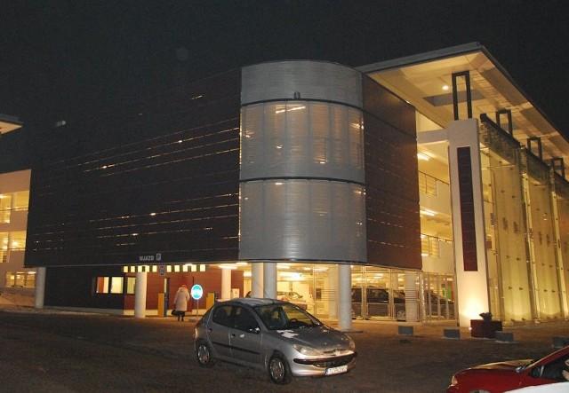 """III nagrodę w kategorii """"obiekty przemysłowe"""" zdobył kielecki parking przed Urzędem Miejskim, zarządzany przez Przedsiębiorstwo Usług Komunalnych z Kielc"""
