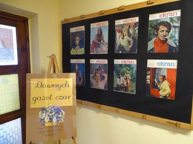 """Wystawa """"Dawnych gazet czar"""" w Miejskiej Bibliotece Publicznej w Chełmnie"""