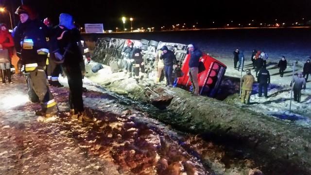 Wypadek autobusu na obwodnicy Garwolina