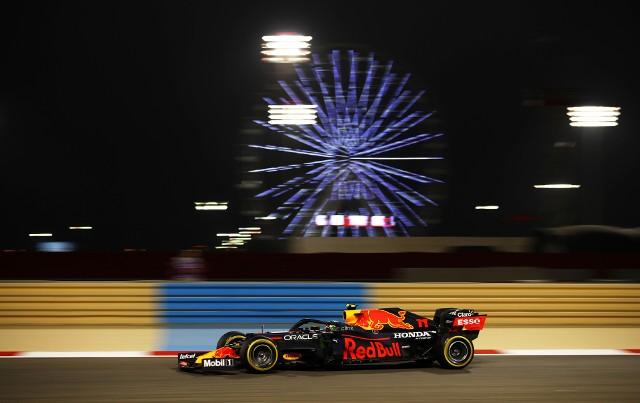 Mercedes pokonany w eliminacjach GP Bahrajnu. Verstappen na pole position
