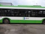 Białystok. Miasto sprzedaje biało-zielonego Solarisa Białostockiej Komunikacji Miejskiej. Klimatyzowany pojazd zmieści 95 osób (zdjęcia)