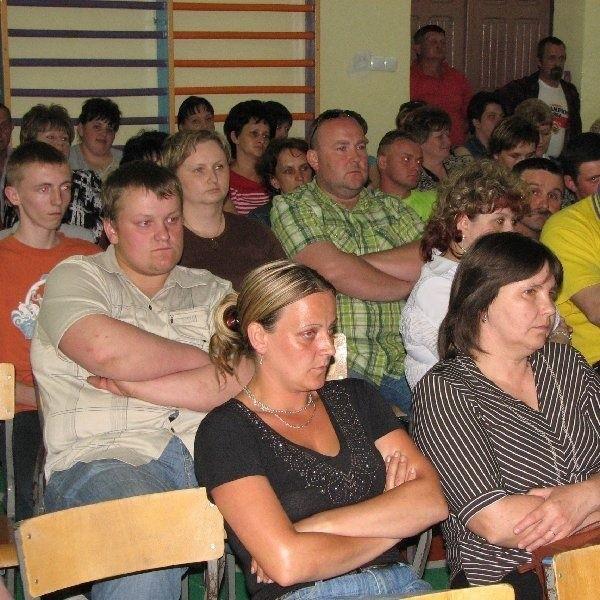 Mieszkańcy podkreślali, że dzieci w Palczynie  są bezpieczniejsze niż w Lisewie, mają lepsze  boisko, więcej sal lekcyjnych i nowszy budynek