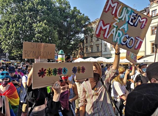 Manifestacje poparcia dla społeczności LGBT odbywają się w całej Polsce.