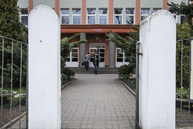 W Zespole Szkół Nr 7 działają Gimnazjum nr 10 i Szkoła Podstawowa nr 10