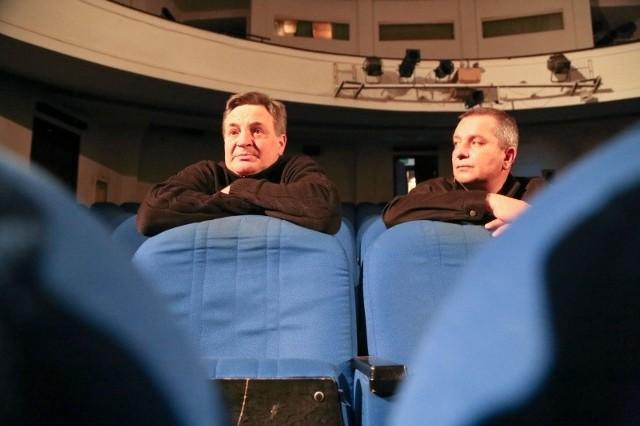 Teatr wymaga wielu napraw. Nie tylko scena i widownia, ale też kulisy - zauważa Krzysztof Ławniczak (na zdjęciu z prawej). - To powinna być inwestycja, która posłuży kolejnym pokoleniom.