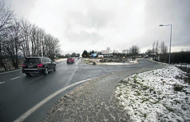 Rada zgodziła się na nadanie nazwy ul. Granicznej drodze odchodzącej od ulicy Portowej w kierunku Włynkówka. Ulica nie tylko z nazwy będzie oddzielać teren miejski od gm. Słupsk