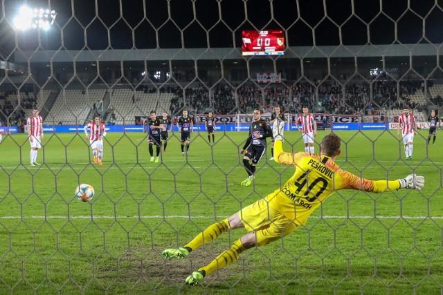 Ostatni ligowy wyjazdowy mecz Jagiellonii z Cracovią zakończył się wygraną 1:0 po golu z rzutu karnego Jesusa Imaza