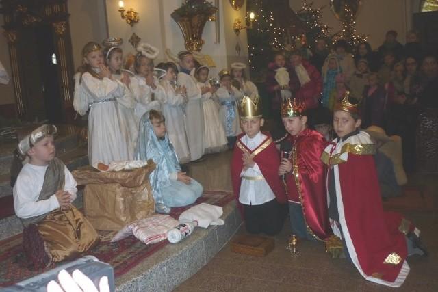 Jasełka zostały wystawione w kościele Wniebowzięcia Najświętszej Maryi Panny w Krapkowicach-Otmęcie.