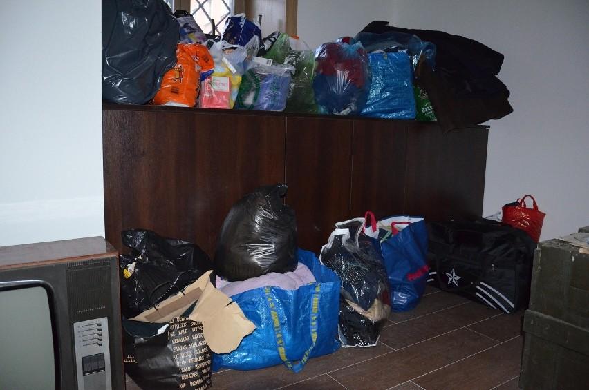 Wrocławianie pomagają Ukraińcom. Przynieśli koce, kurtki i leki (ZDJĘCIA)