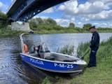 Narew będzie bezpieczniejsza. Łomżyńska policja ma nową łódź [zdjęcia]