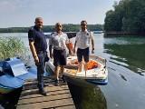 Policja i Brodnicka Drużyna Toruńskiego WOPR na jeziorze Okonin w gminie Ciechocin. Zobacz zdjęcia