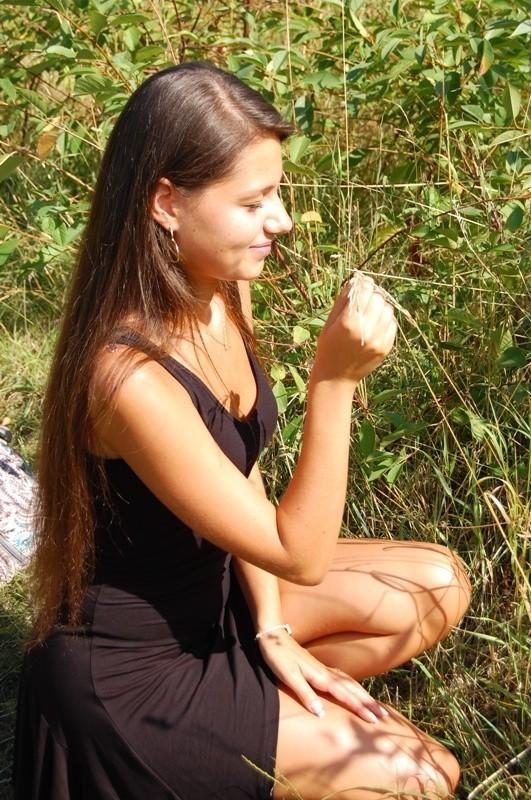 Marta ma 18 lat. Jak samo o sobie pisze: - Mieszkam w Zielonej Górze. Jestem tegoroczną maturzystką. Moją pasją jest taniec, obecnie trenuje taniec towarzyski.Aby zaglosowac na Marte wyślij sms o treści MISSLATA.74 na nr 72051. Koszt 2,44 zl z VAT.