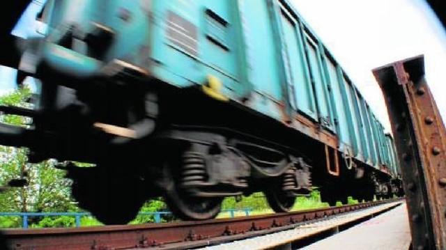 Na przejeździe kolejowym w Bogdańcu mężczyzna wszedł między zamknięte szlabany. Wpadł pod pociąg. Poniósł śmierć na miejscu.