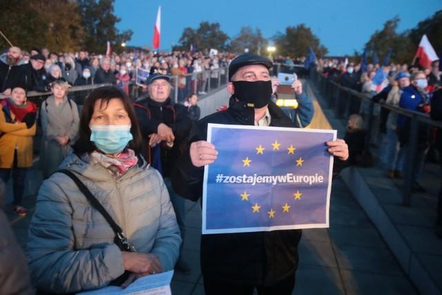 Manifestacja na placu Solidarności