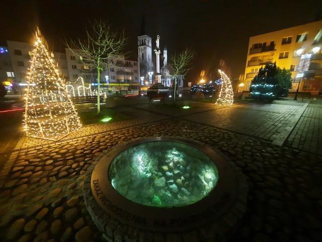 Świąteczna iluminacja w Oleśnie.