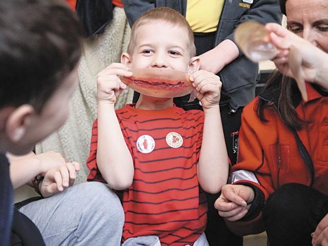 Gumowe rany i plastikowe fantomy mogli obejrzeć uczniowie Szkoły Podstawowej nr 5 w Białymstoku