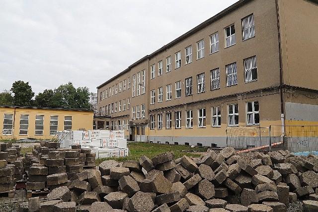 Termomodernizacja SP 37 w Łodzi (11 września 2020)