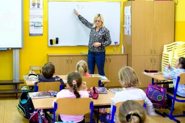 Minister Czarnek zapowiada kilkadziesiąt procent podwyżki dla nauczycieli