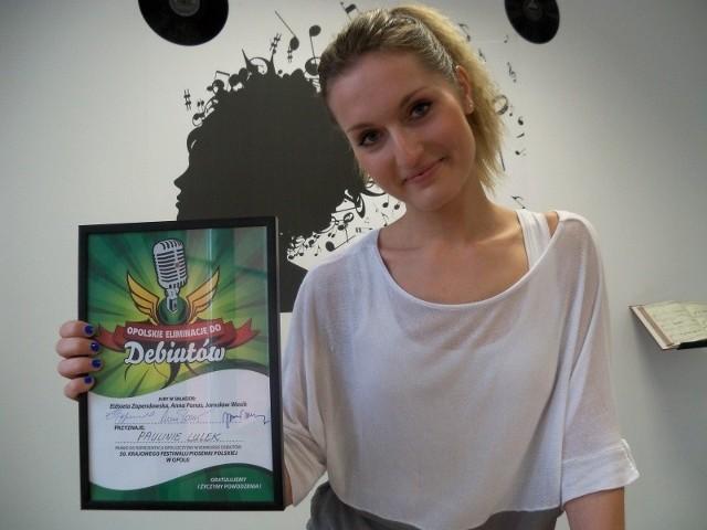 """Paulina Lulek, absolwentka Akademii Muzycznej we Wrocławiu, pracuje nad własną marką. Wzięła udział w programie """"Bitwa na głosy"""", wystąpiła na festiwalu w Opolu."""