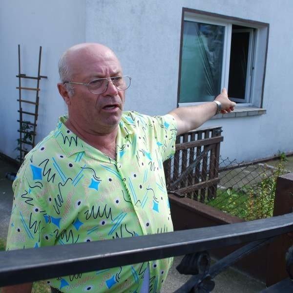 - Jak będą kontrole, skończy się smród z wylewanych na pola szamb - mówi Joachim Przywara.