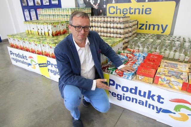 Produkty regionalne są już dostępne w Makro. Na zdjęciu Krzysztof Stychno, menadżer projektu do spraw rozwoju sieci.