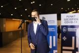 """Premier Mateusz Morawiecki zaszczepi się preparatem firmy Astra Zeneca. """"Szczepionka już na mnie czeka"""""""