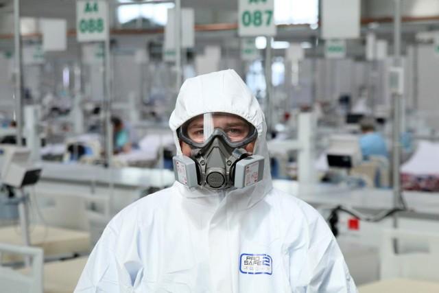 - Każda pielęgniarka i każdy ratownik medyczny w tym kraju, niezależnie od formy zatrudnienia, będą od 1 lipca pobierał identyczne wynagrodzenie- poinformował Niedzielski.