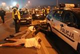 Derby ŁKS - Widzew. Policja zatrzymała kibiców. Musieli leżeć na jezdni. Jakie popełnili przestępstwo? Zdjęcia