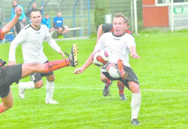Tomasz Jaworski zdobył bramkę dla Swornicy.