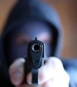 Łódź. Kolejny zuchwały rabunek! Uzbrojony bandyta napadł na lombard! Sterroryzował pracownicę i zrabował biżuterię