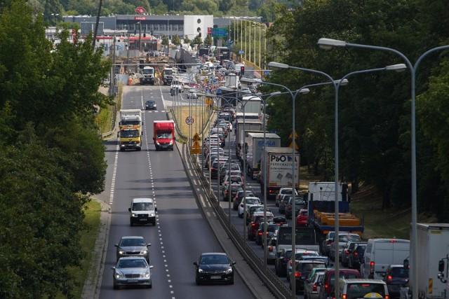 W tym tygodniu drogowcy dwukrotnie zamierzają zamknąć dla ruchu jeden z pasów południowej nitki mostu Lecha.
