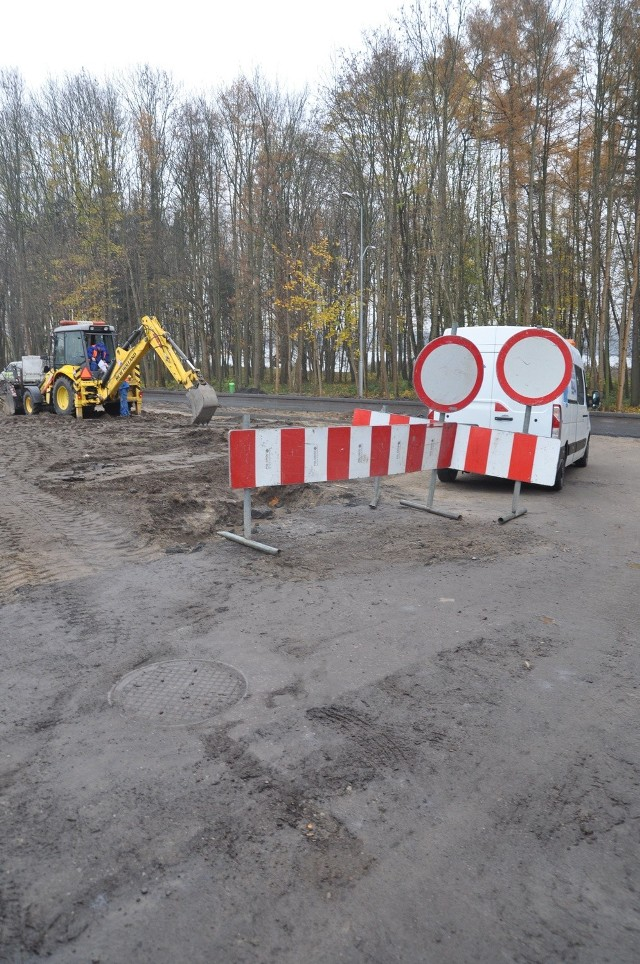 Skrzyżowanie Grunwaldzkiej i Kościuszki jeszcze bez asfaltu, ale już w nowej konfiguracji.