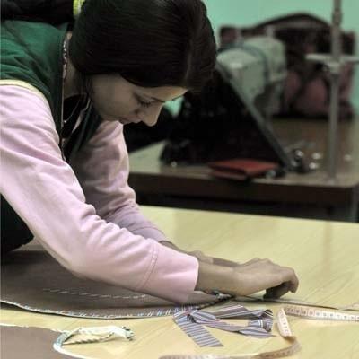 W Technikum Technologii Odzieży dziewczyny - tak jak Anna Jednorowicz - uczą się projektowania i kreatywnego myślenia