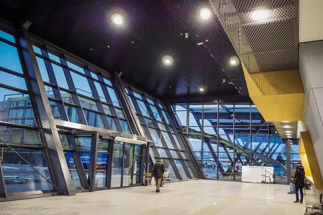 Dzieli nas zaledwie kilka dni od oficjalnego otwarcia białostockiego dworca PKS. Zobaczcie, jak wygląda obecnie.