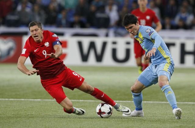 Lewandowski w meczu z Kazachstanem strzelił gola na 2:0 wykorzystując rzut karny