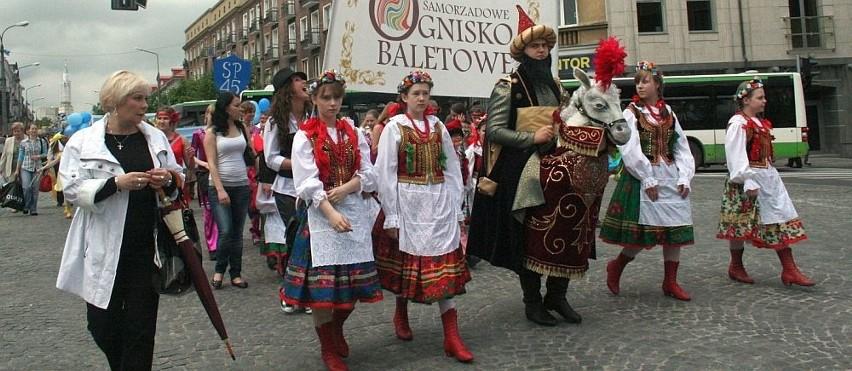 W paradzie wzięło udział Samorządowe Ognisko Baletowe
