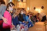 Uczniowie w gminie Mirzec rozpoczęli nowy rok szkolny od poświęcenia tornistrów i przyborów szkolnych (ZDJĘCIA)
