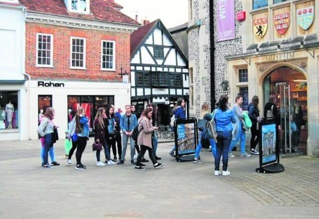 W Winchester w nienagannym stanie zachowały się typowe angielskie domy i kamieniczki, co zobaczyli uczniowie