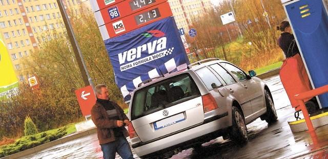 Drożeje benzyna, drożeje też gaz do samochodów. Wczoraj litr LPG na stacji Orlen kosztował już 2,13 złotego.