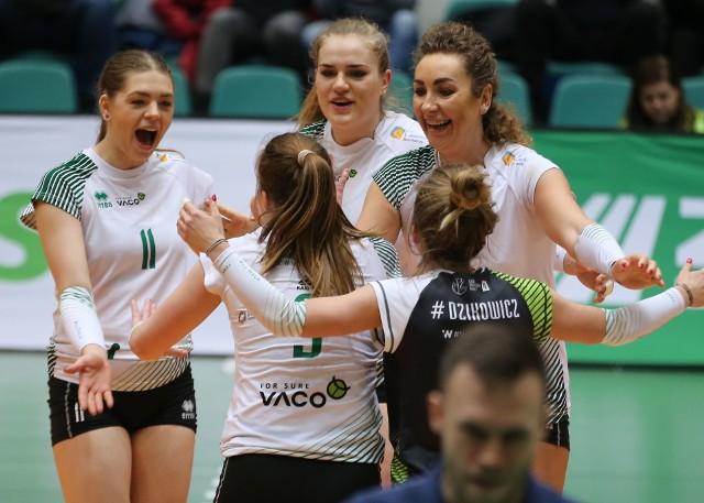 Dominika Mras (nr 11) była w poprzednim sezonie podstawową rozgrywającą Volley Wrocław